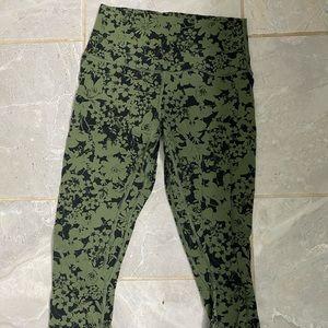 ⁉️⁉️Align Lululemon Crops Green and Black⁉️⁉️